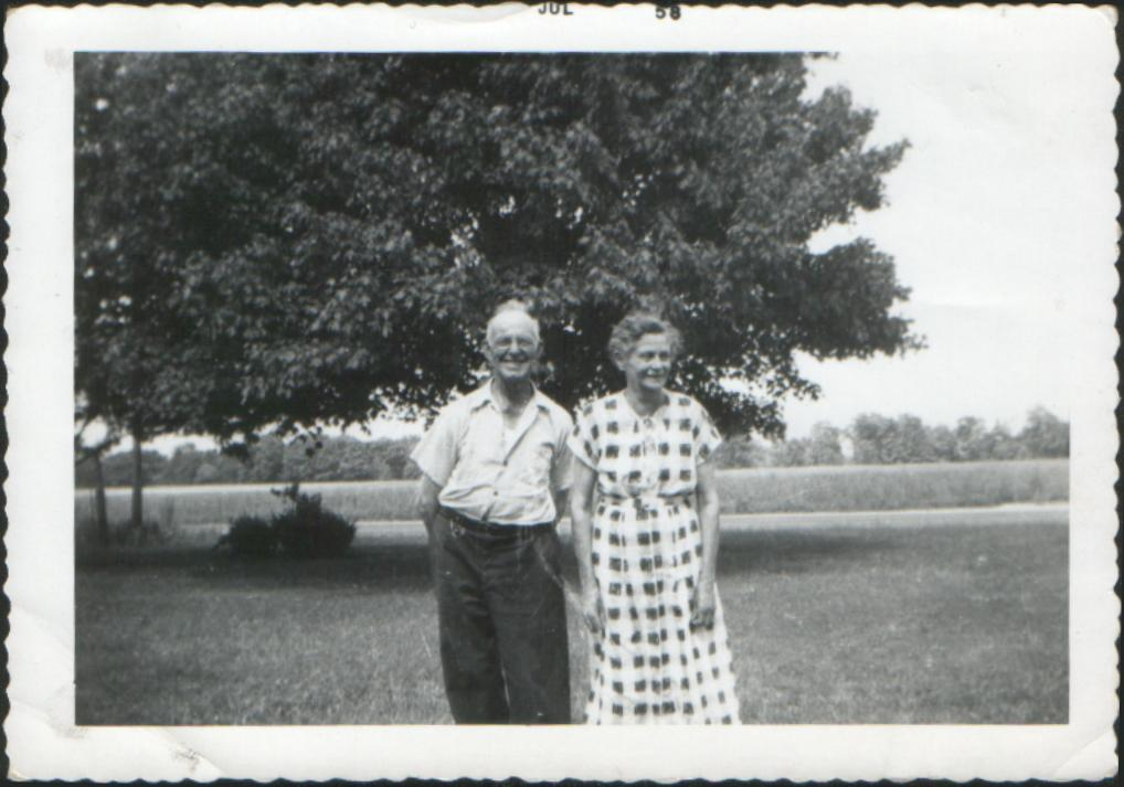 williamsimswifehattieabout1958.jpg